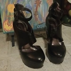 BeBe Black Hi-Heels (Sellers Choice)